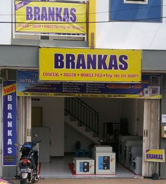 Showroom Distributor Brankas Murah